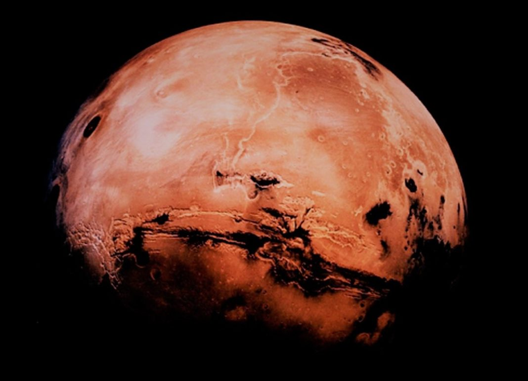 Mars Is About To Be The Closest To Earth In Ten Years And Here's How To Witness The Magnificent Sight
