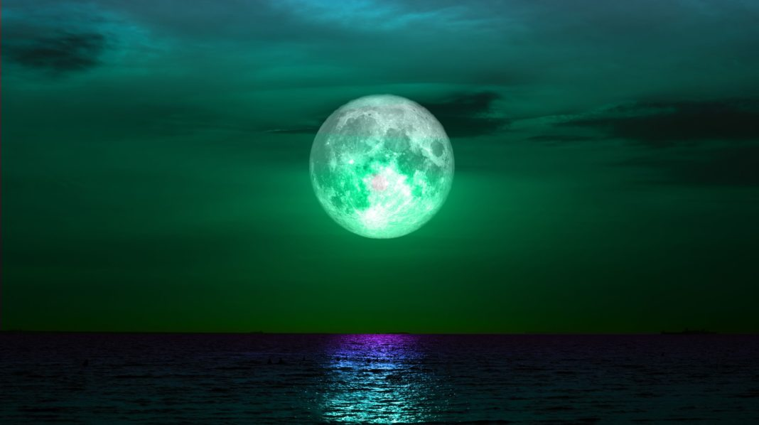 Potent Pisces Full Moon On August 26th: New Opportunities On The Horizon