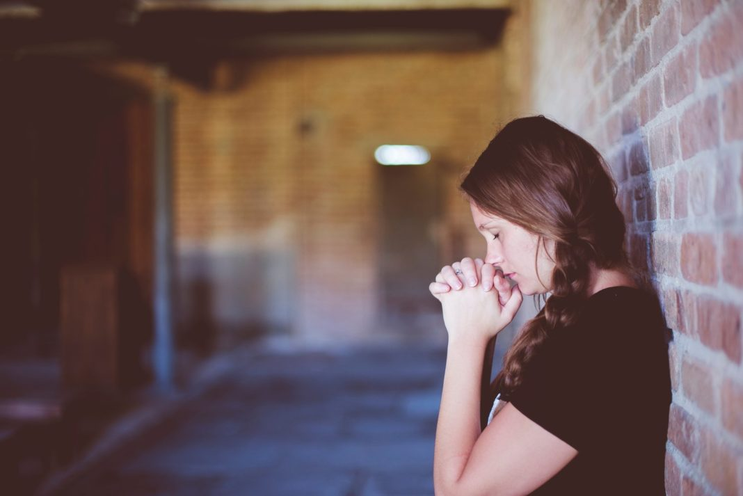 3 Mindful Ways To Move Through Grief & Loss