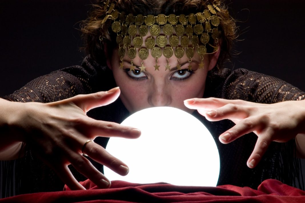 5 Common Myths About Psychic Readings