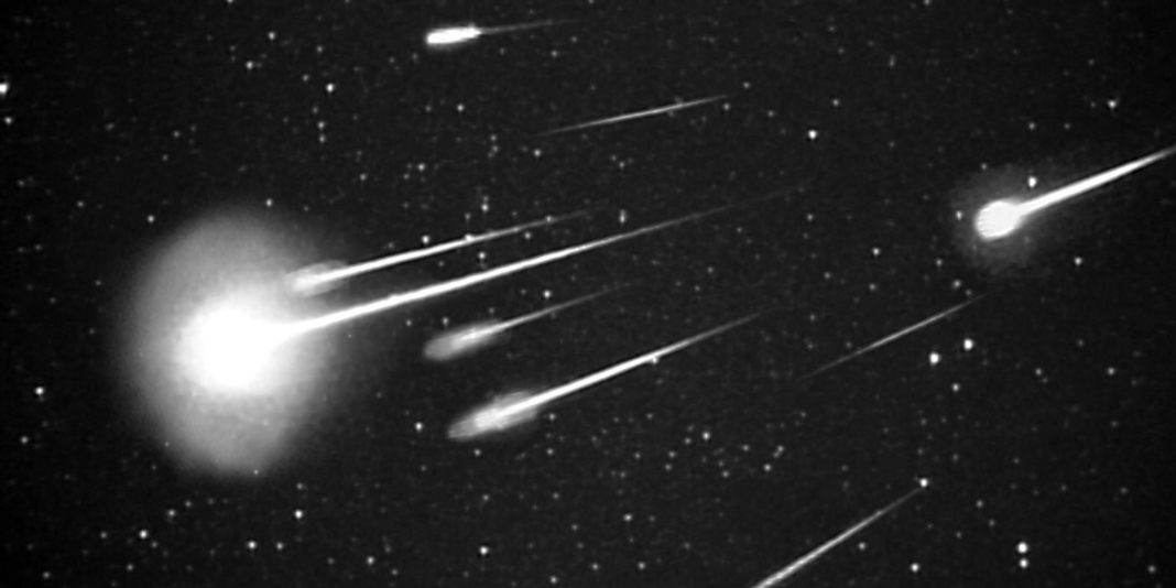 After Peaking This Weekend, Leonid Meteor Shower Is Still Dominating The Skies. Don't Miss Out On The Magnificent View