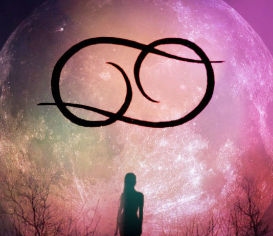 Today's Cancer New Moon & Leo Transit Inspire You To Stop Taking Everything So Seriously