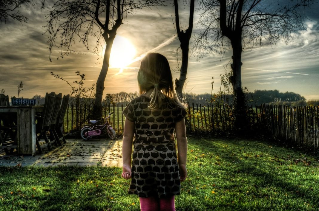 4 Childhood Experiences That You Need To Let Go Off