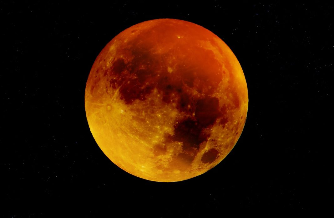 Super Blood Moon Total Lunar Eclipse Open 2019 With A Bang