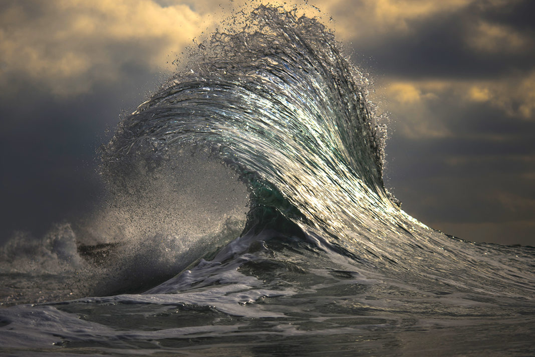 Colorblind Photographer Spends 10 Years Capturing The Majestic Power Of Waves