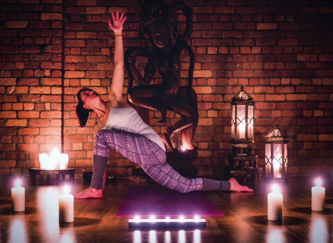 4 Reasons You Should Perform Yoga Before Bed
