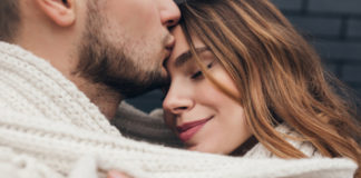 5 Reasons Why Your Partner Gives You Kisses On The Forehead