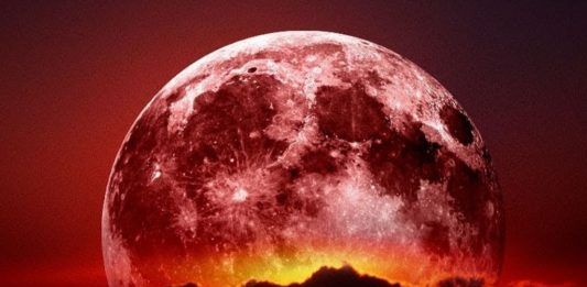 Tonight's Spectacular Worm Supermoon Is Taking Faith To Another Level