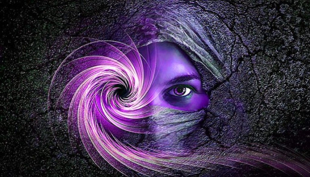 Reasons Why Empaths Act Strangely When They Are Surrounded By Fake People