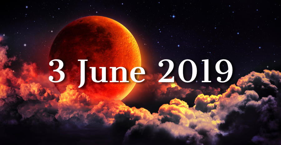 Tonight's New Moon Is All About Fortune — Prepare For Powerful New Energies!
