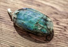 A Deeper Look Into The Mystical Labradorite Stone And Its Healing Characteristics